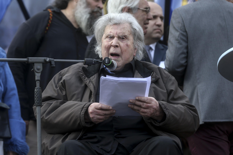 Τι απαντά ο Μίκης Θεοδωράκης σε όσους τον επικρίνουν για την ομιλία του στο