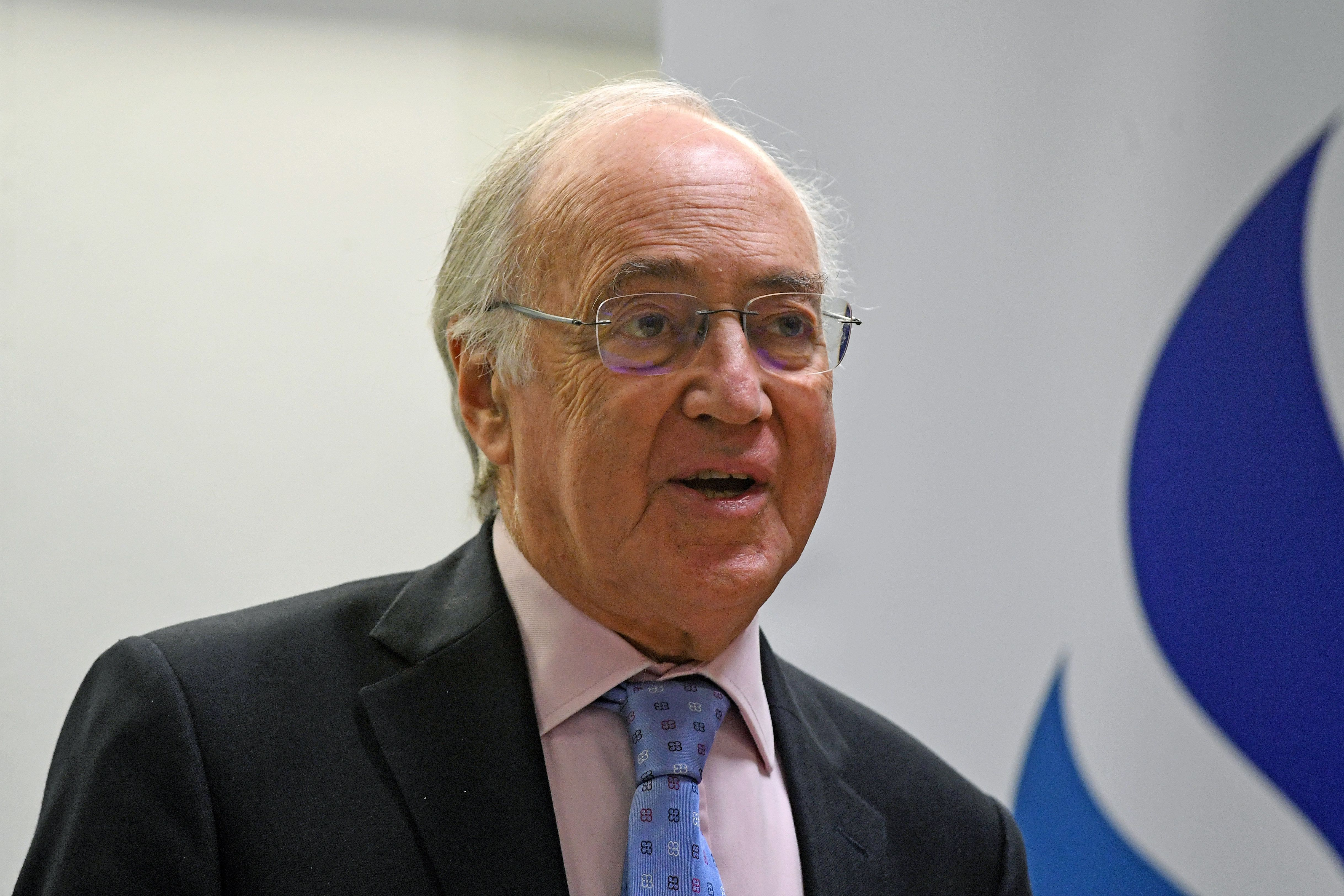 <strong>Michael Howard</strong>