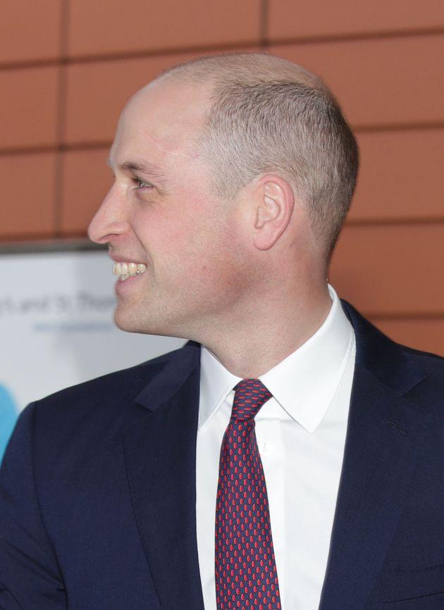 El nuevo corte de pelo del príncipe William recibió muchos