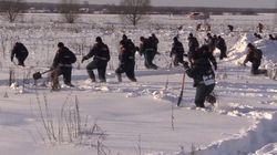 Αεροπορική τραγωδία στη Ρωσία: «Χτενίζουν» το χιόνι αναζητώντας σορούς και