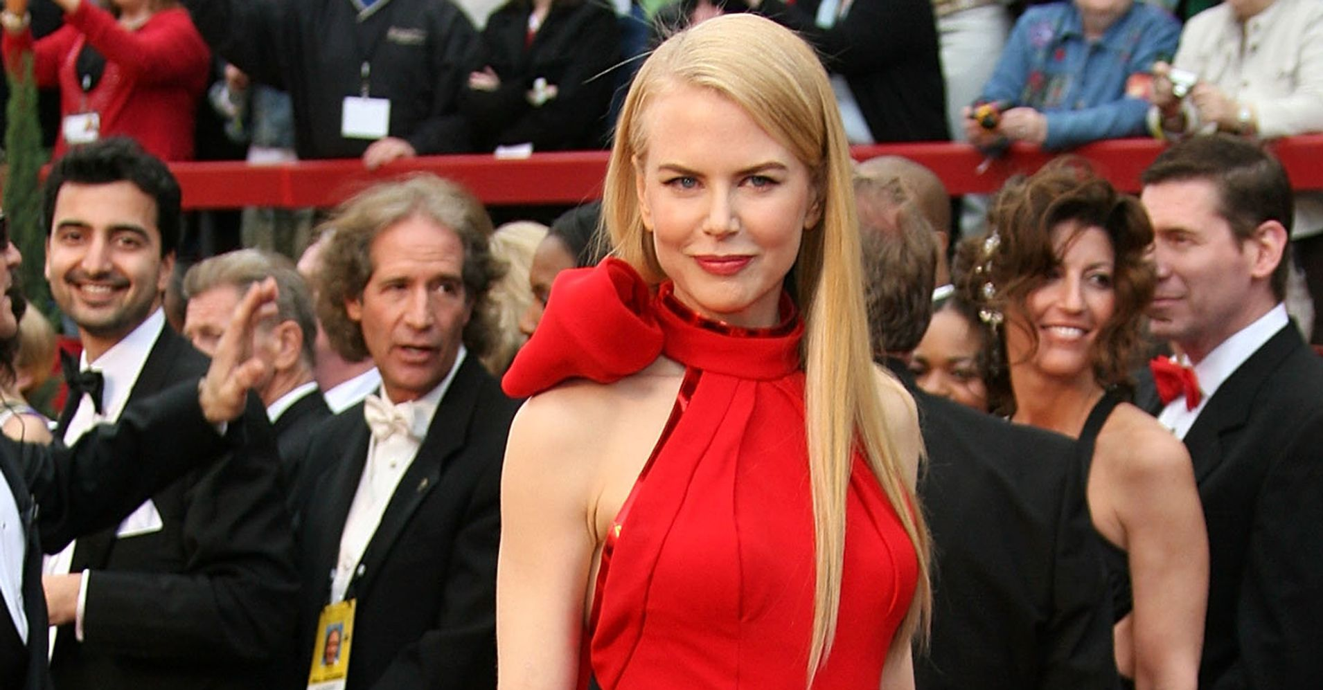 Here\'s What A Man Perceives When A Woman Wears Red | HuffPost
