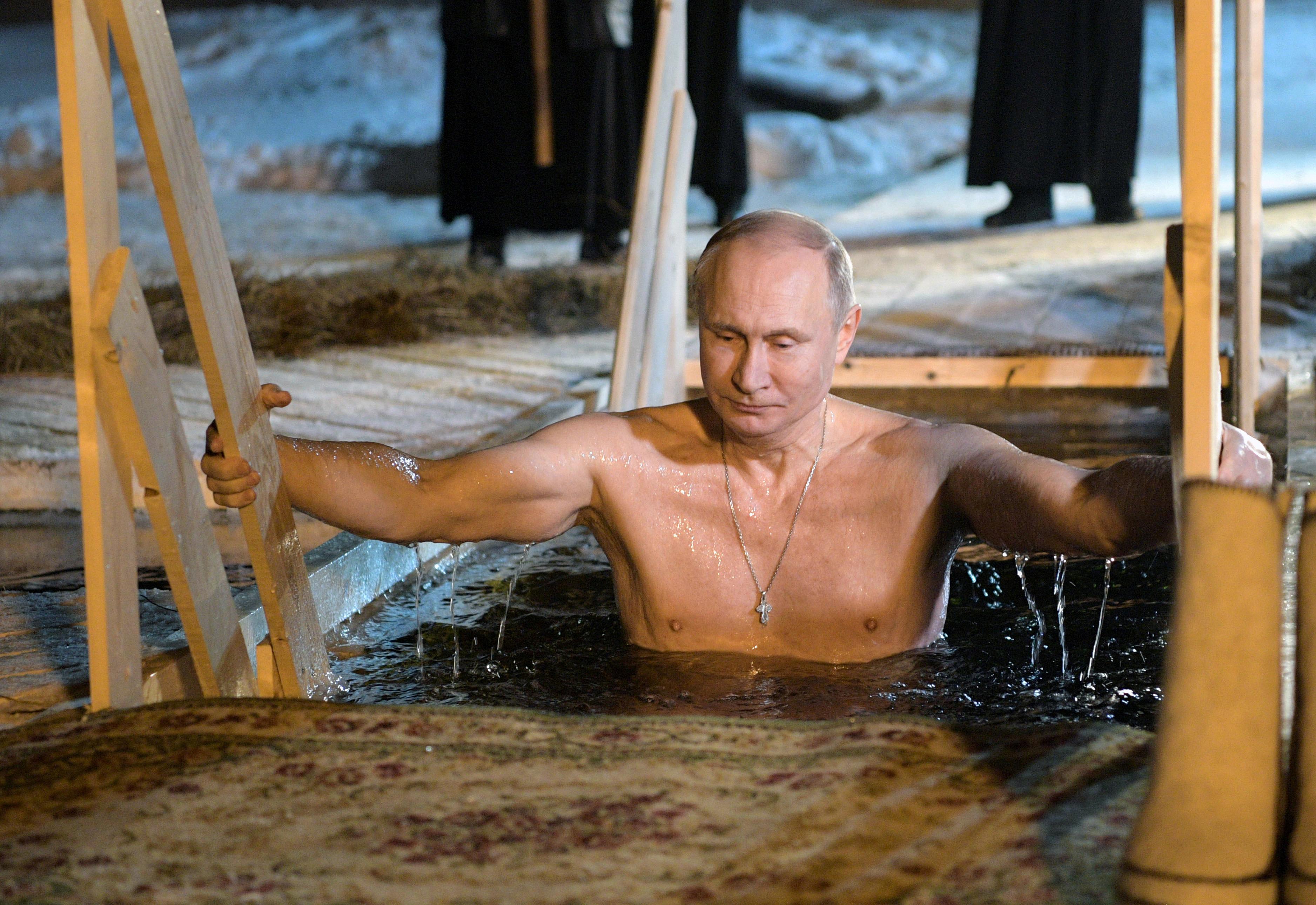 Ο εκπρόσωπος του Πούτιν ένιωσε την ανάγκη να μας ενημερώσει ότι ο Ρώσος πρόεδρος είναι άρρωστος αλλά εξακολουθεί να