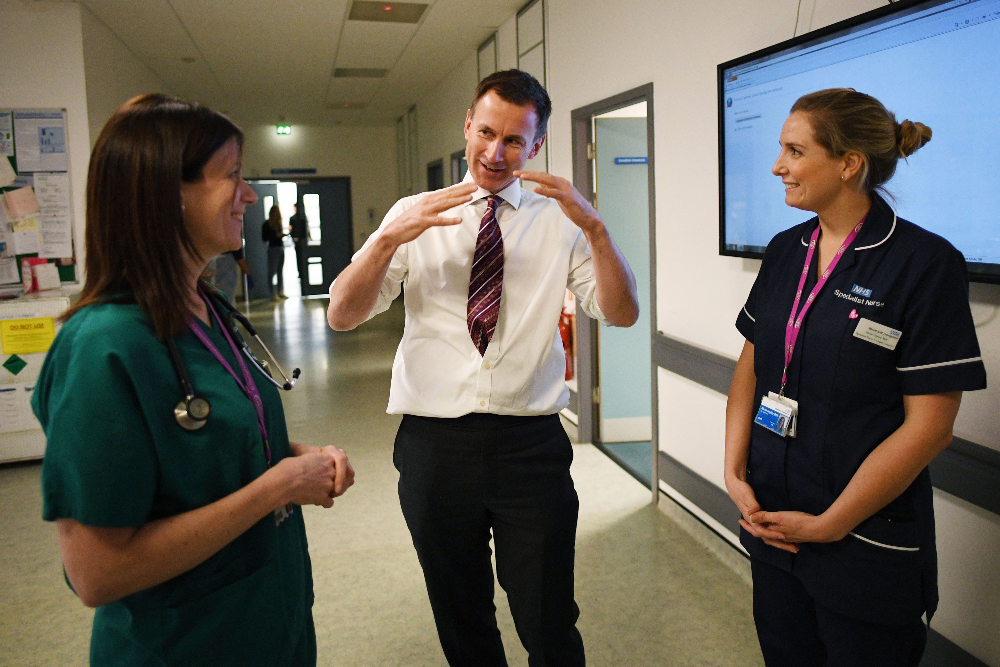 Jeremy Hunt talks to staff at St George's Hospital, Tooting.