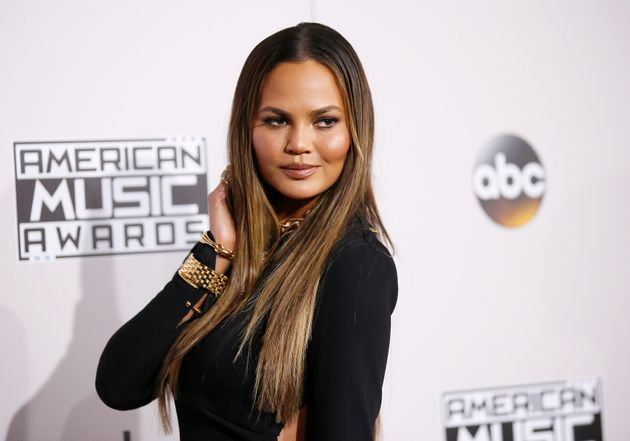 Chrissy Teigen took some time out of her day to roast a hater on