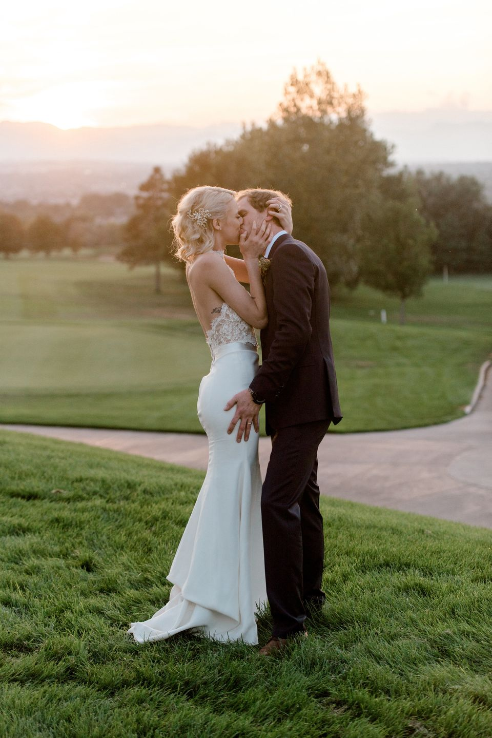 27 Romantic Wedding Photos That Capture Pure, Unadulterated