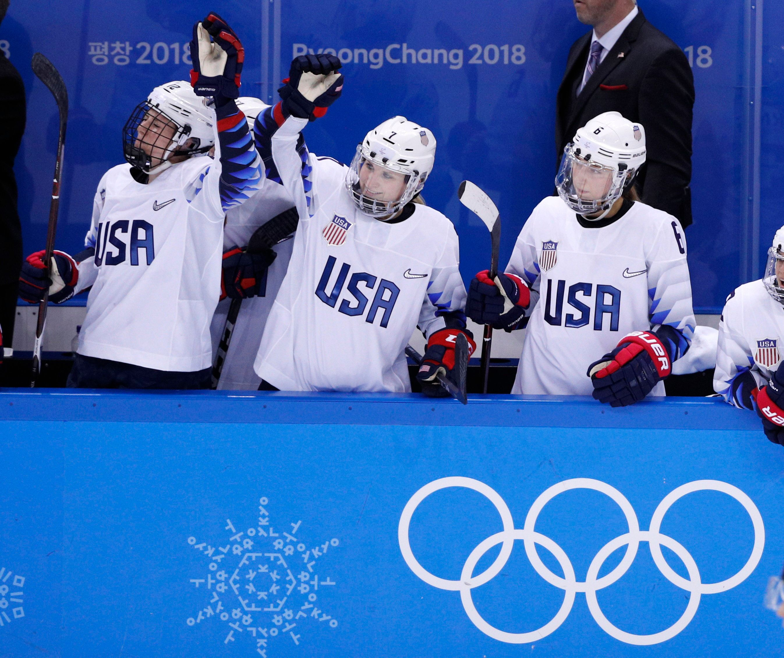 Ice Hockey – Pyeongchang 2018 Winter Olympics – Women Preliminary Round Match - Finland v U.S. - Gangneung Hockey Centre, Gangneung, South Korea – February 11, 2018 - Team USA celebrates. REUTERS/Brian Snyder
