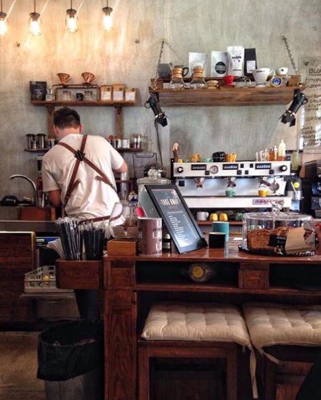 Φωτογραφική περιήγηση στα πιο ωραία καφέ της Αθήνας, των περιχώρων και του