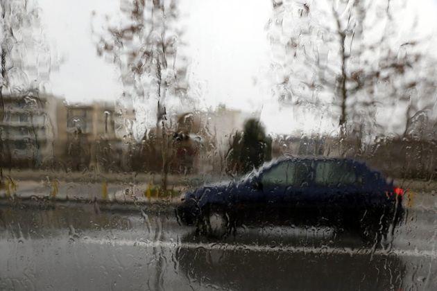 Χαλάει απότομα ο καιρός. Ισχυρές βροχές και κρύο σε ολόκληρη τη