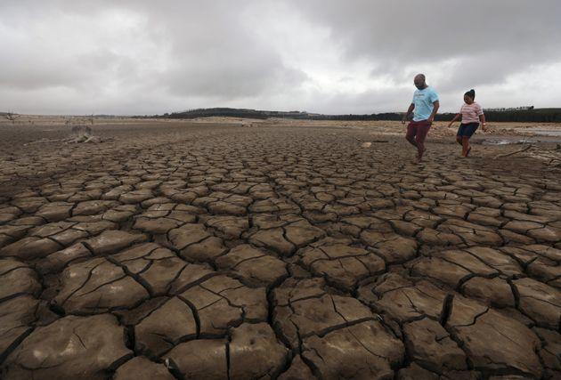 Σε κατάσταση φυσικής καταστροφής η Νότια Αφρική λόγω των ελλείψεων σε πόσιμο