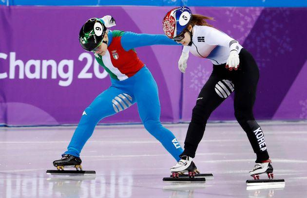 쇼트트랙 여자 500m 결승 2위로 들어온 최민정이 '실격' 판정을