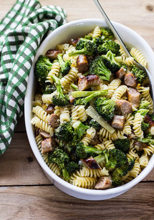 """<strong>Get the <a href=""""http://www.theclevercarrot.com/?s=broccoli"""" target=""""_blank"""">Pasta With Roasted Broccoli And Chicken"""