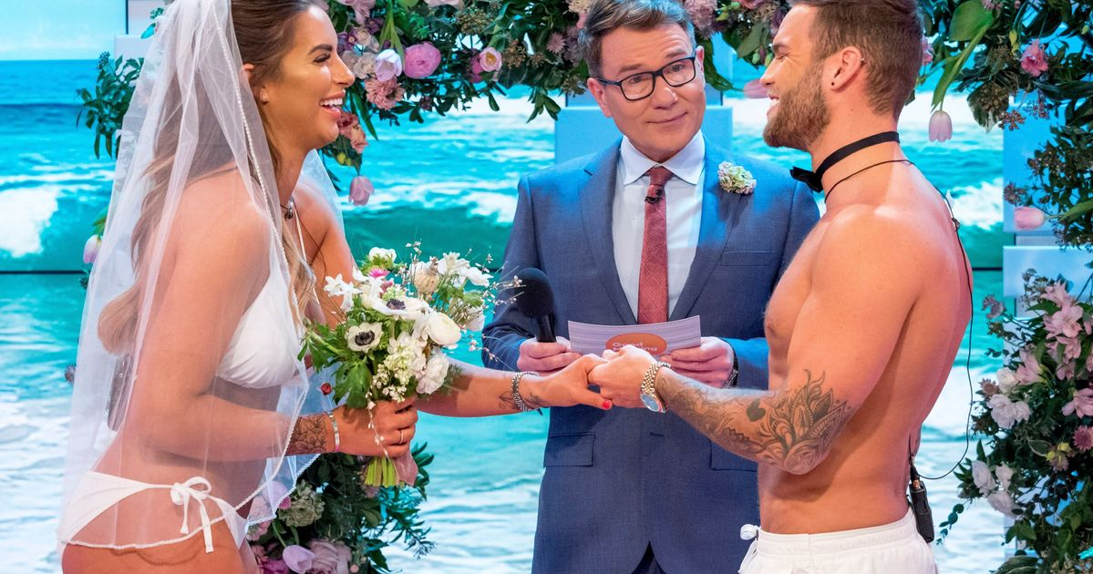 Love Island S Jess And Dom Have Viewers Cringing As They Marry On Good Morning Britain Huffpost Uk