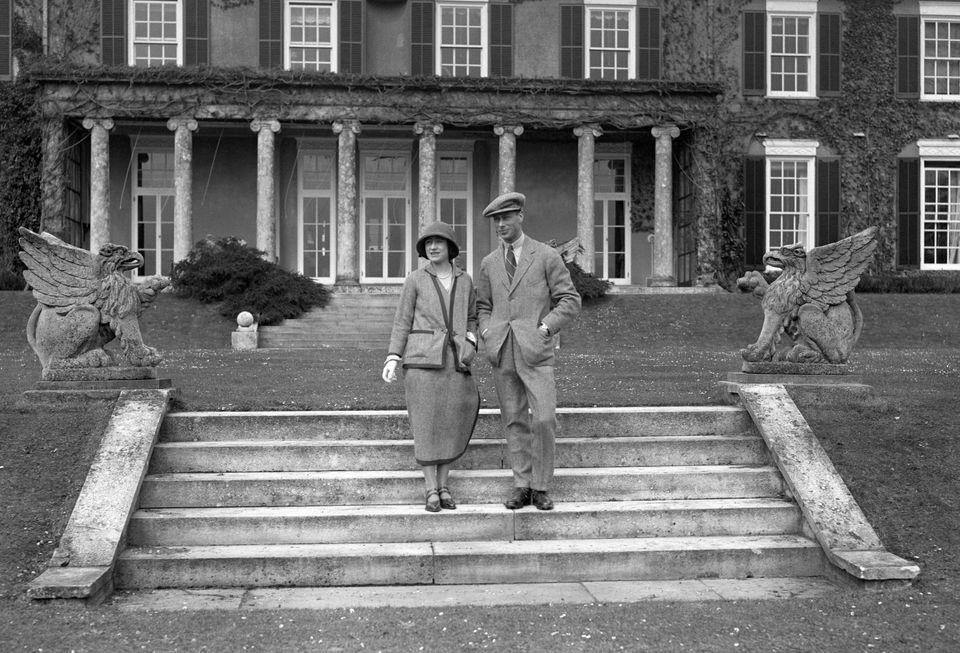 Elizabeth Bowes-Lyon and Prince Alberton their honeymoon at Polesden Lacey