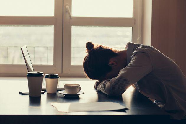 Frau mit Schlafproblemen. (Symbolbild)