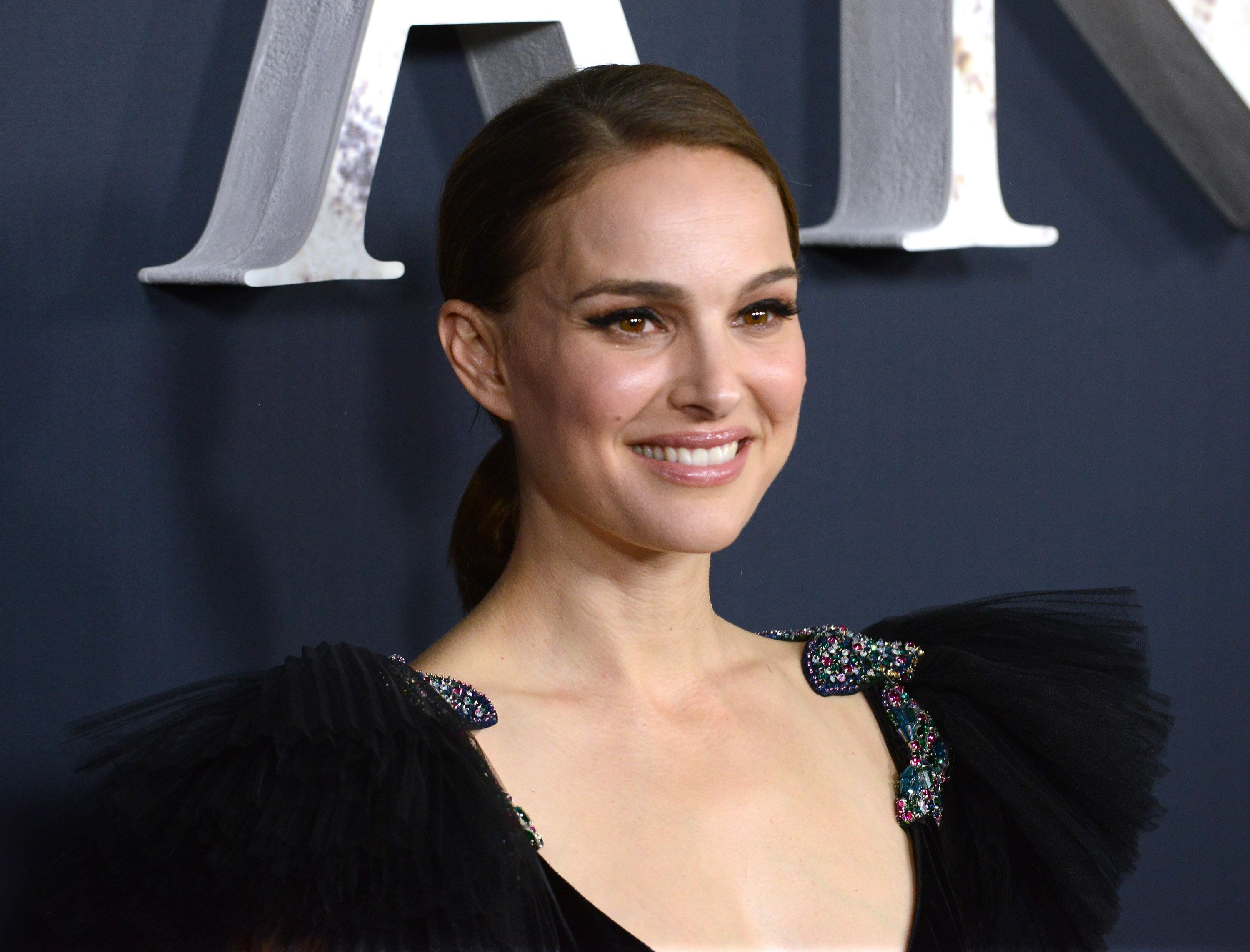 Natalie Portman Takes On 'Annihilation' Whitewashing Accusations