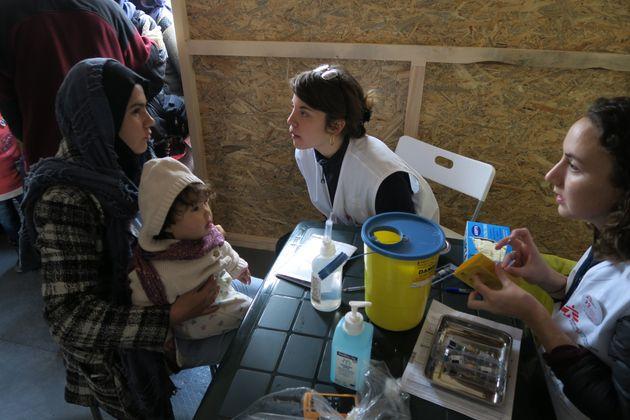 Περίπου 1.000 παιδιά εμβολίασαν οι Γιατροί Χωρίς Σύνορα στη