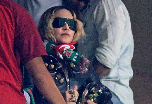 H Madonna παρακολουθεί τον...