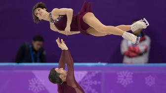 GANGNEUNG, SOUTH KOREA - FEBRUARY 15:  Meagan Duhamel and Eric Radford of Canada compete during the Pair Skating Free Skating at Gangneung Ice Arena on February 15, 2018 in Gangneung, South Korea.  (Photo by XIN LI/Getty Images)