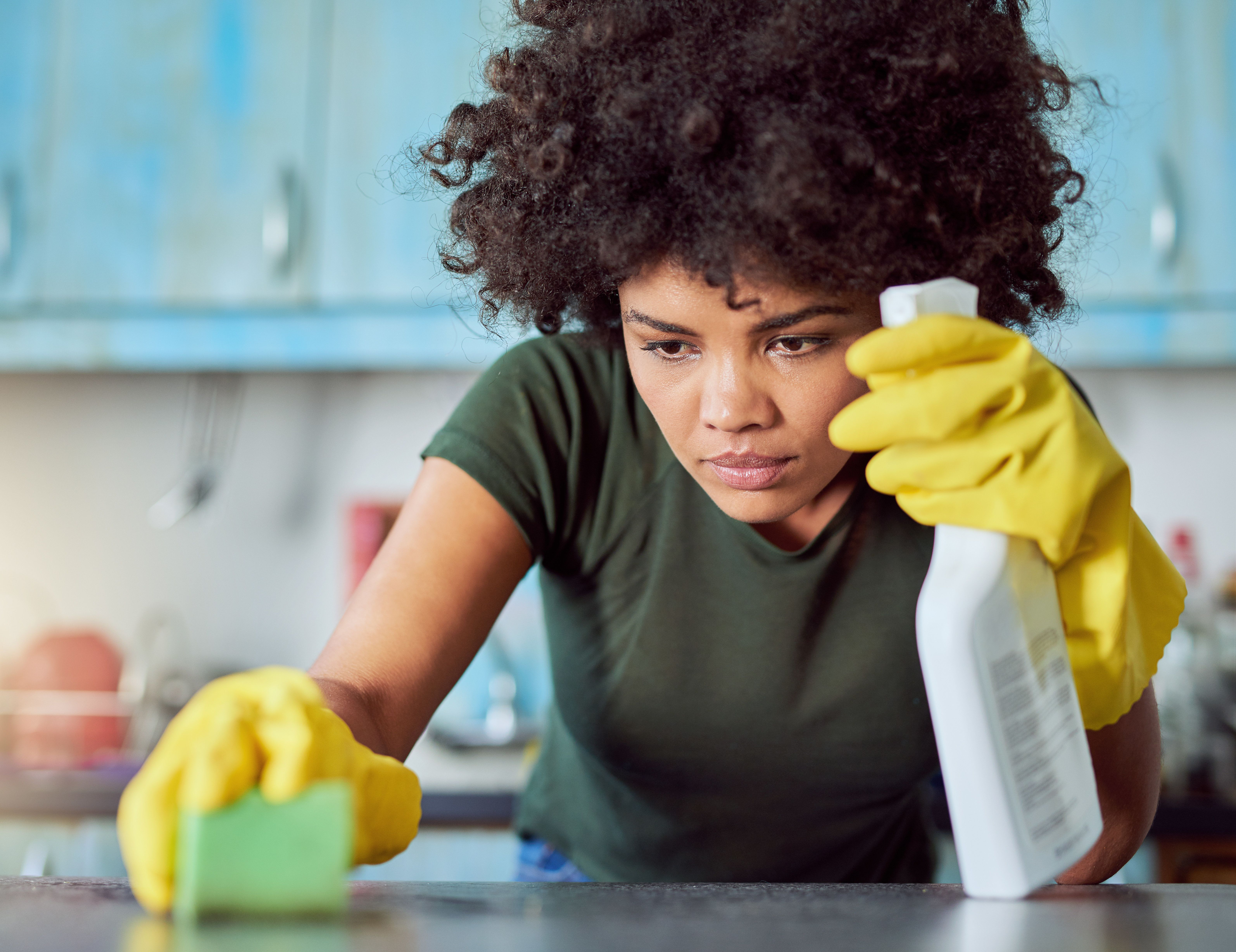 Cleaning Chemicals 'Likely Cause Substantial Damage To Women's Lungs', Study