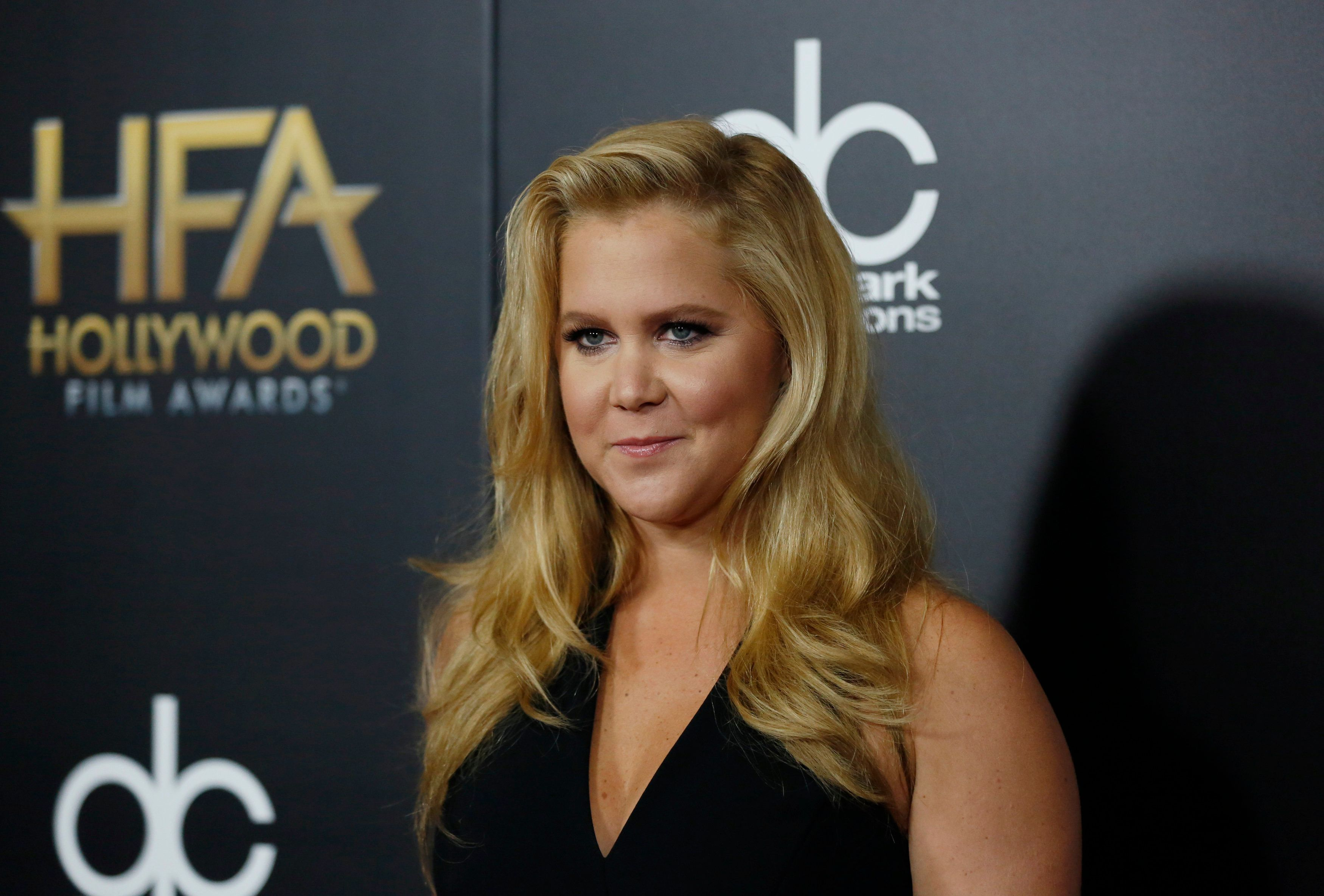 Actress Amy Schumer arrives at the Hollywood Film Awards in Beverly Hills, California November 1, 2015.  REUTERS/Mario Anzuoni
