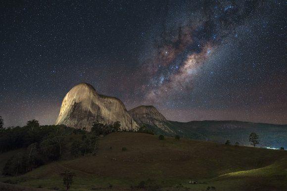 6위 밤하늘의 은하수. EduardoMSNeves, CC BY-SA