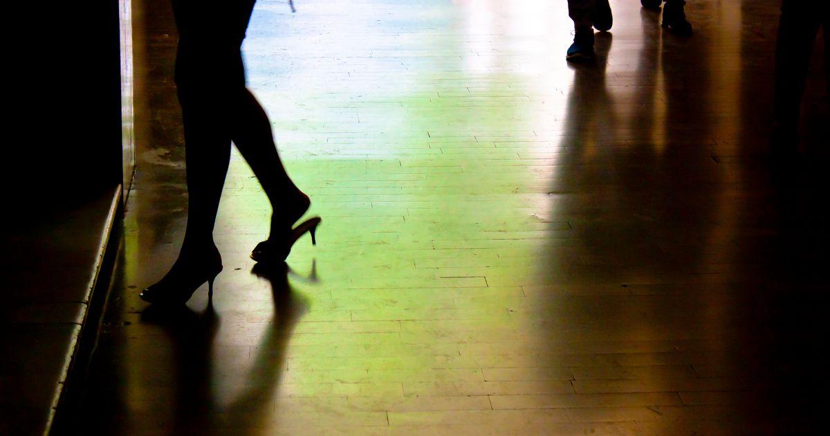 Hamburg: Mann soll 16-Jährige brutal zur Prostitution gezwungen ...