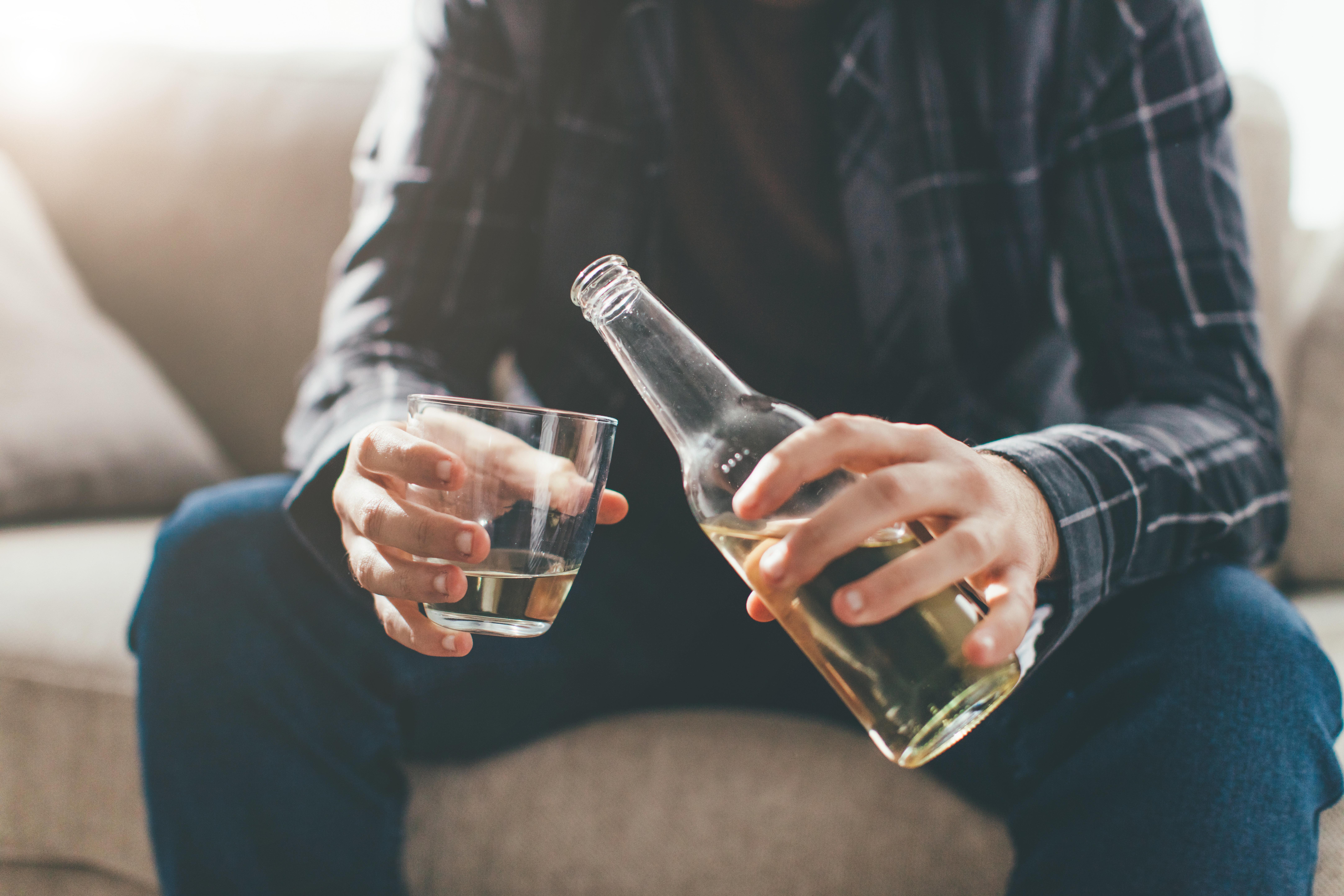 Θέμα αλκοολισμού αντιμετωπίζει το 10% των