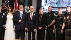 Nach dem Amoklauf: Trump grinst auf Foto mit Rettern – User finden das