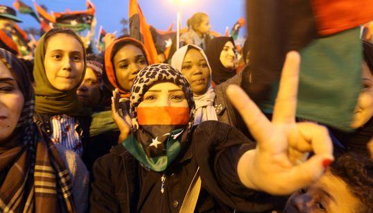 Στη βυθισμένη σε κρίση και διχασμένη Λιβύη γιορτάζουν την
