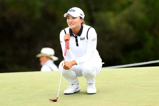 고진영, LPGA투어 데뷔전 우승…67년만의 대기록