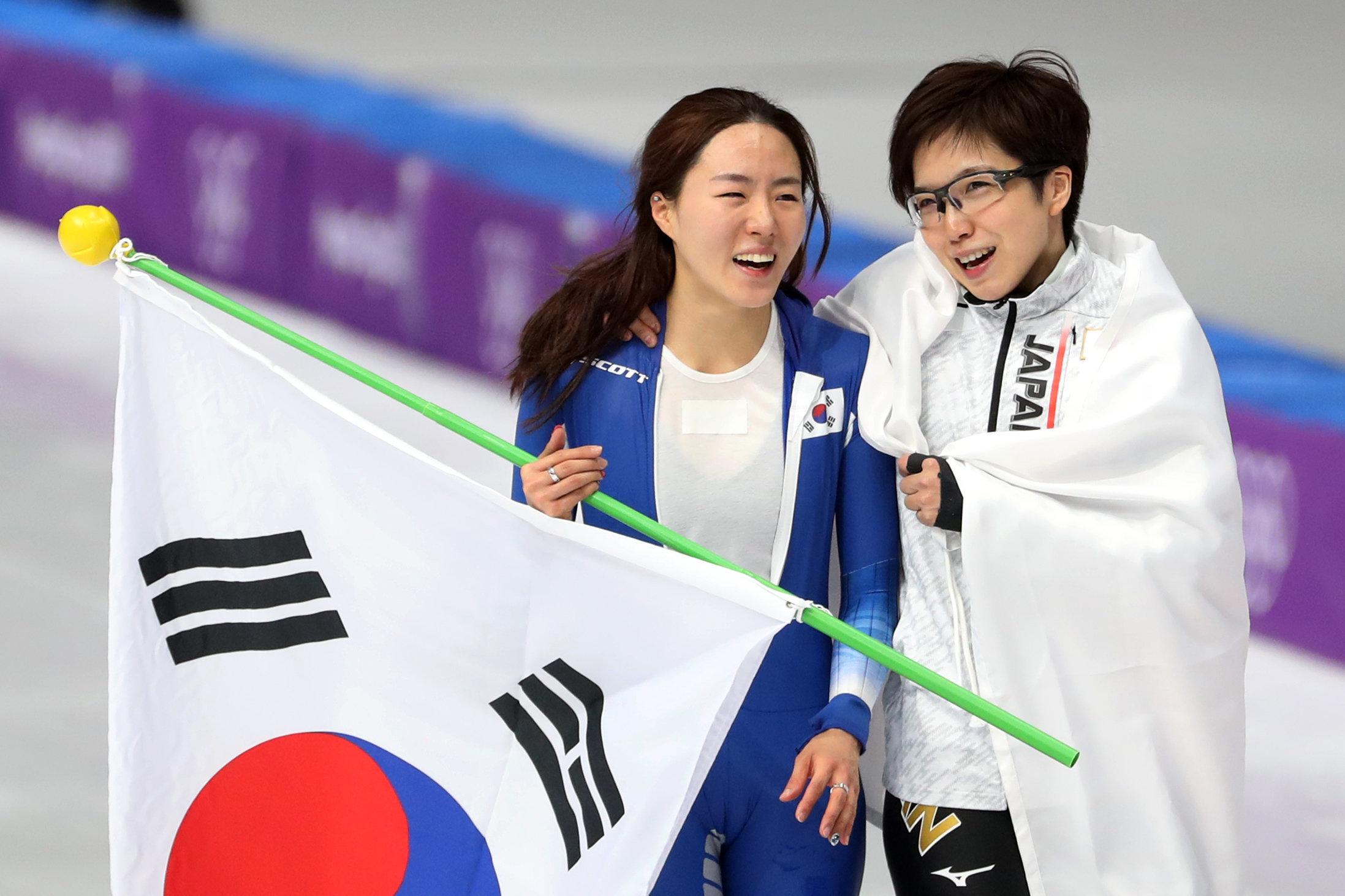 경기 후 고다이라가 이상화에게 다가가 전한 한국말
