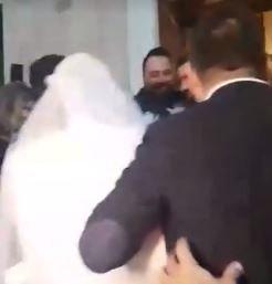 Κρήτη: Φοβερή φάρσα σε γαμπρό που περίμενε στην εκκλησία τη νύφη. Τι σκέφτηκαν οι κολλητοί