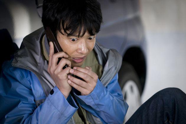 일본판 '골든슬럼버'는 지난 2010년 한국에서 개봉됐다. 당시 한국 배급을 맡은 회사는