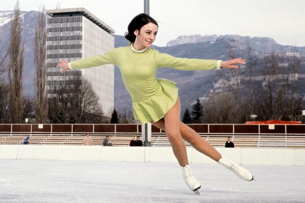 Fleming, of the U.S., practicingon an outside rink in February 1968 in Grenoble, France, during the Winter Olympics. Sh