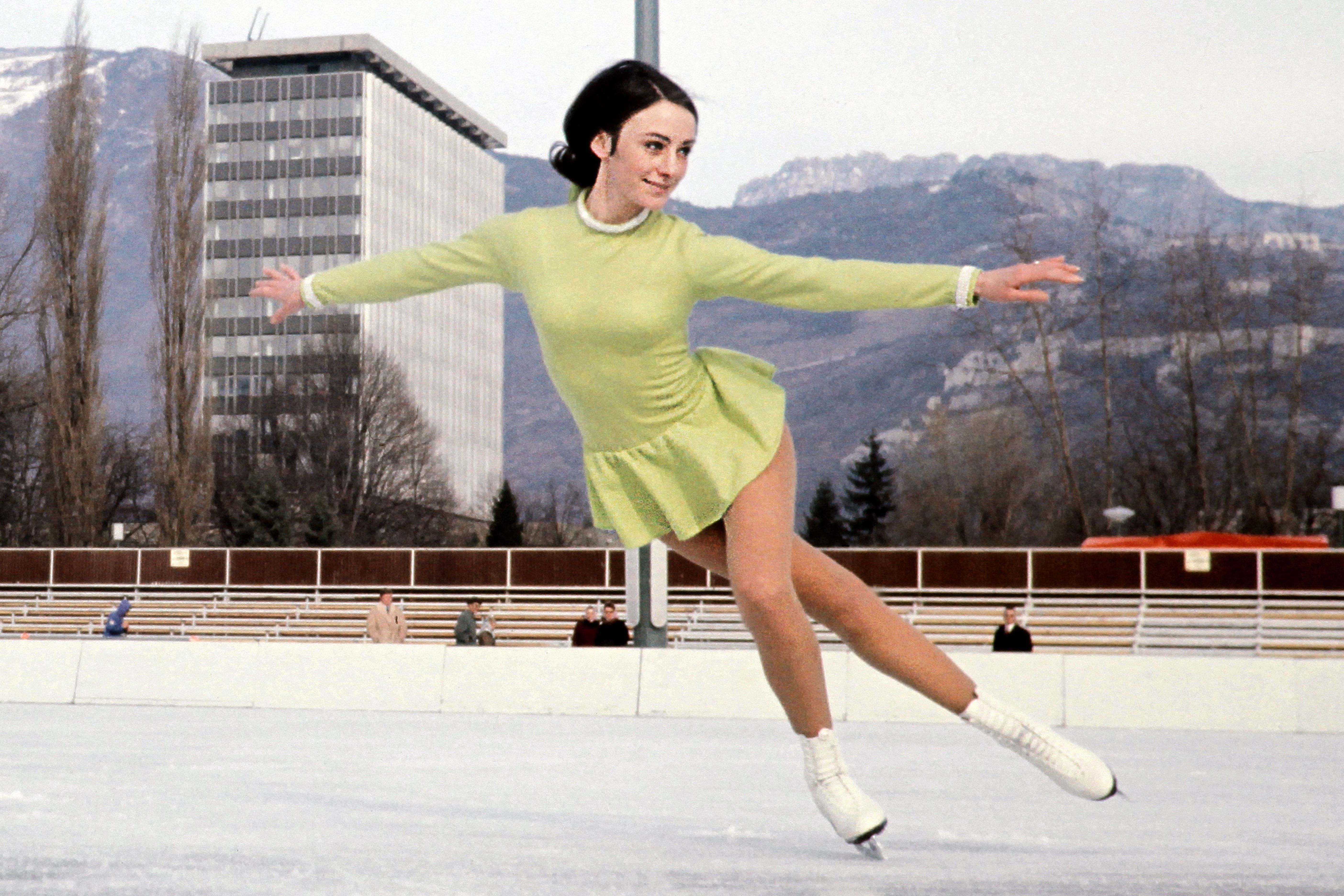 American skater Peggy Fleming in 1968.  sc 1 st  HuffPost & Stunning Photos Show The Evolution Of Womenu0027s Figure Skating ...