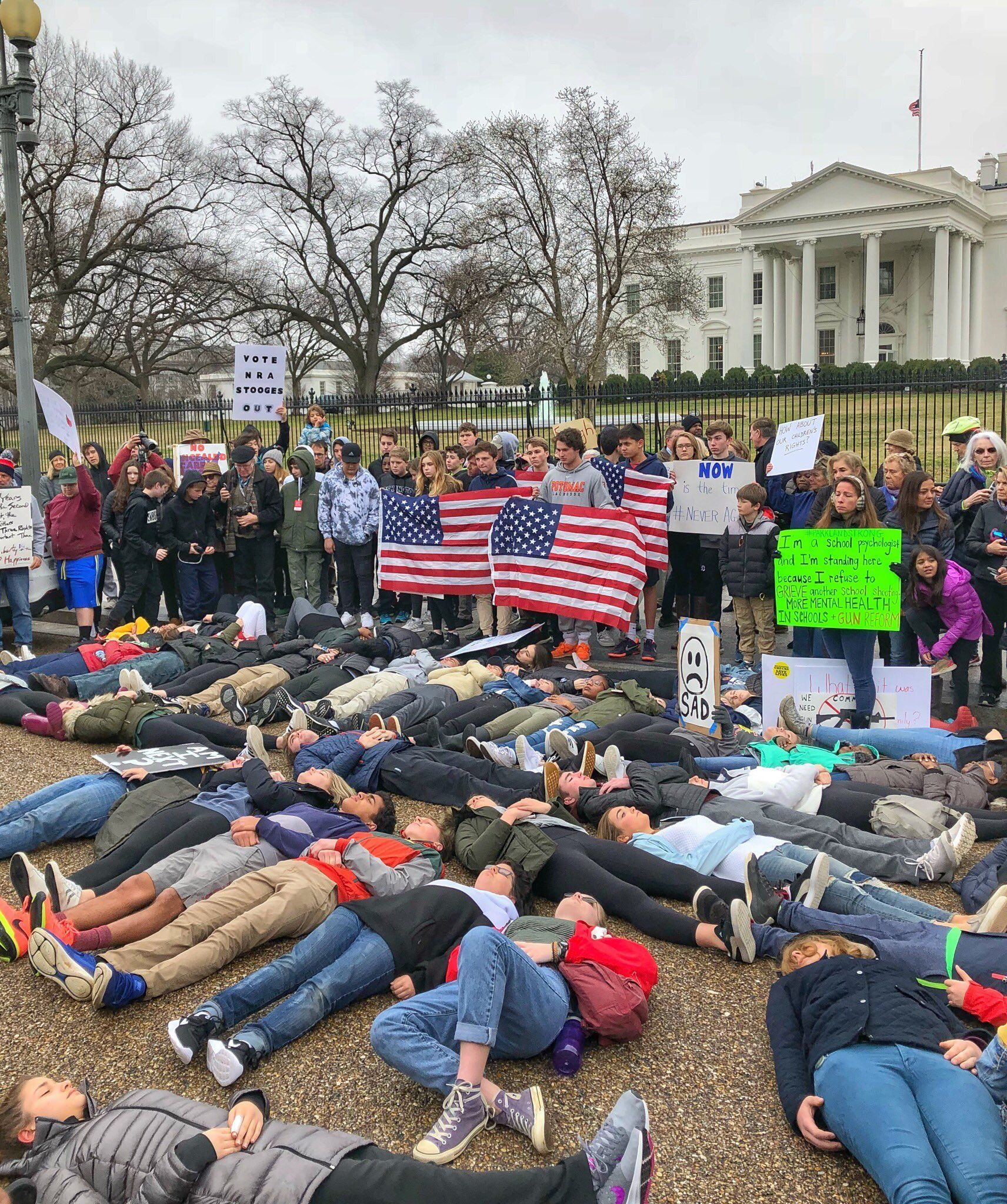 Excessive Faculty College students Lead Protest In opposition to Gun Violence In Entrance Of White Home