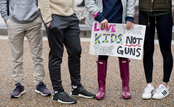 Studentsprotest against gun violence.