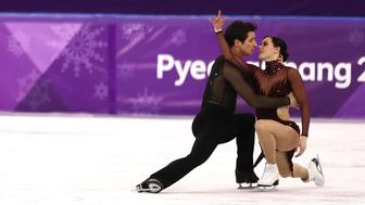 GANGNEUNG, SOUTH KOREA - FEBRUARY 20:  Tessa Virtue and Scott Moir of Canada compete in the Figure Skating Ice Dance Free Dance on day eleven of the PyeongChang 2018 Winter Olympic Games at Gangneung Ice Arena on February 20, 2018 in Gangneung, South Korea.  (Photo by Jamie Squire/Getty Images)