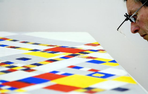 Αυτή είναι η πρωτότυπη καλλιτεχνική κληρονομιά που άφησε ο Piet Mondrian στη μόδα και την