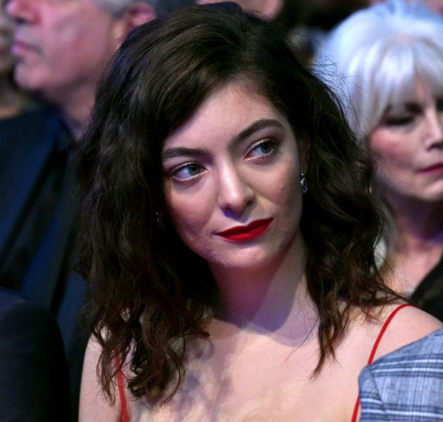 What Lorde And Other Adult Acne Sufferers Want You To Stop