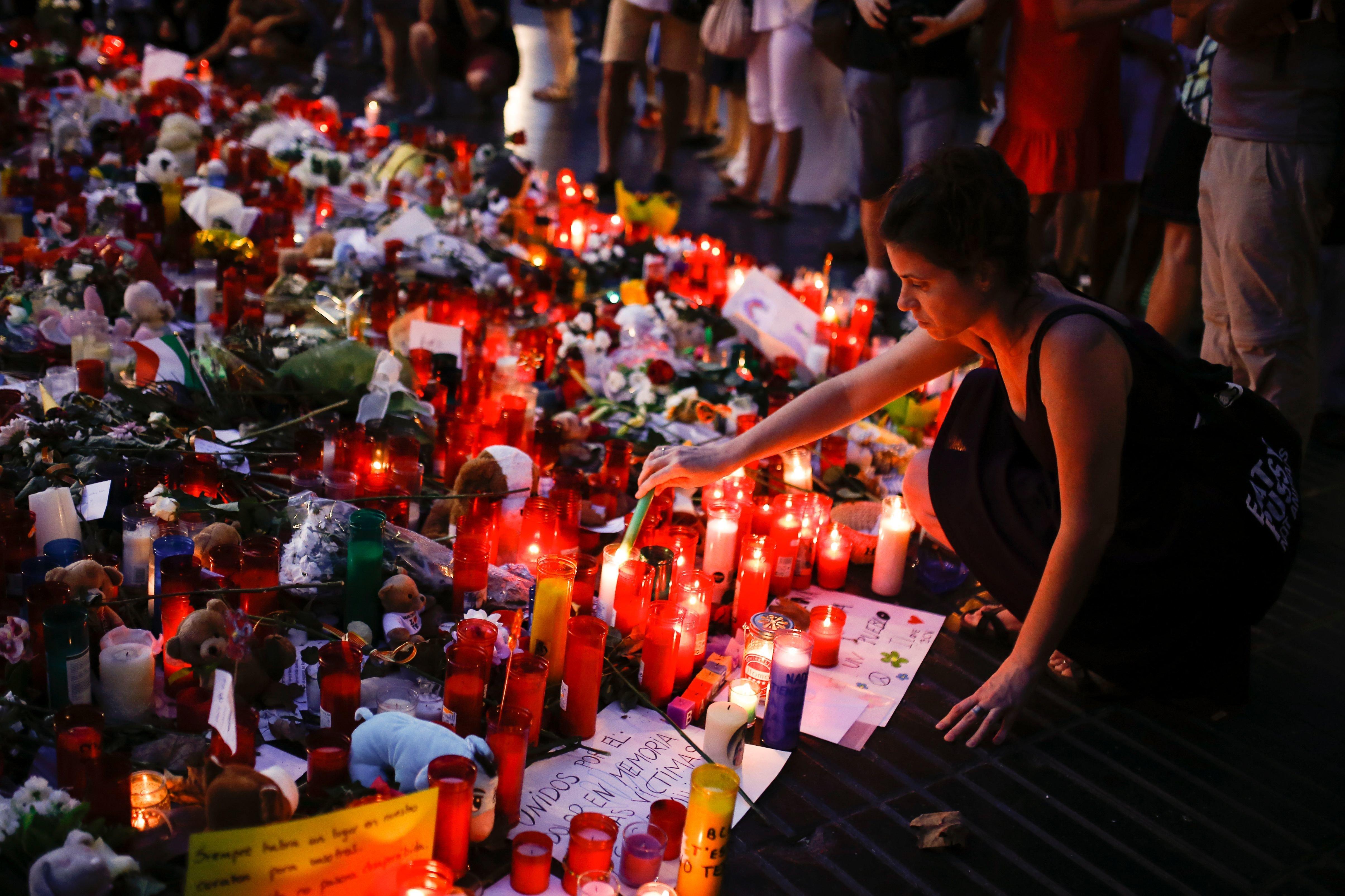 Τρεις συλλήψεις στη Γαλλία για την τρομοκρατική επίθεση στη
