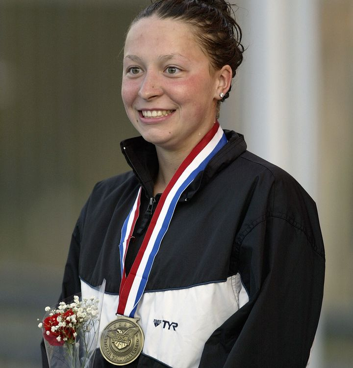 Kukors with her medal after winningthe 200-meter individual medley at the ConocoPhillips National Championship on Aug.