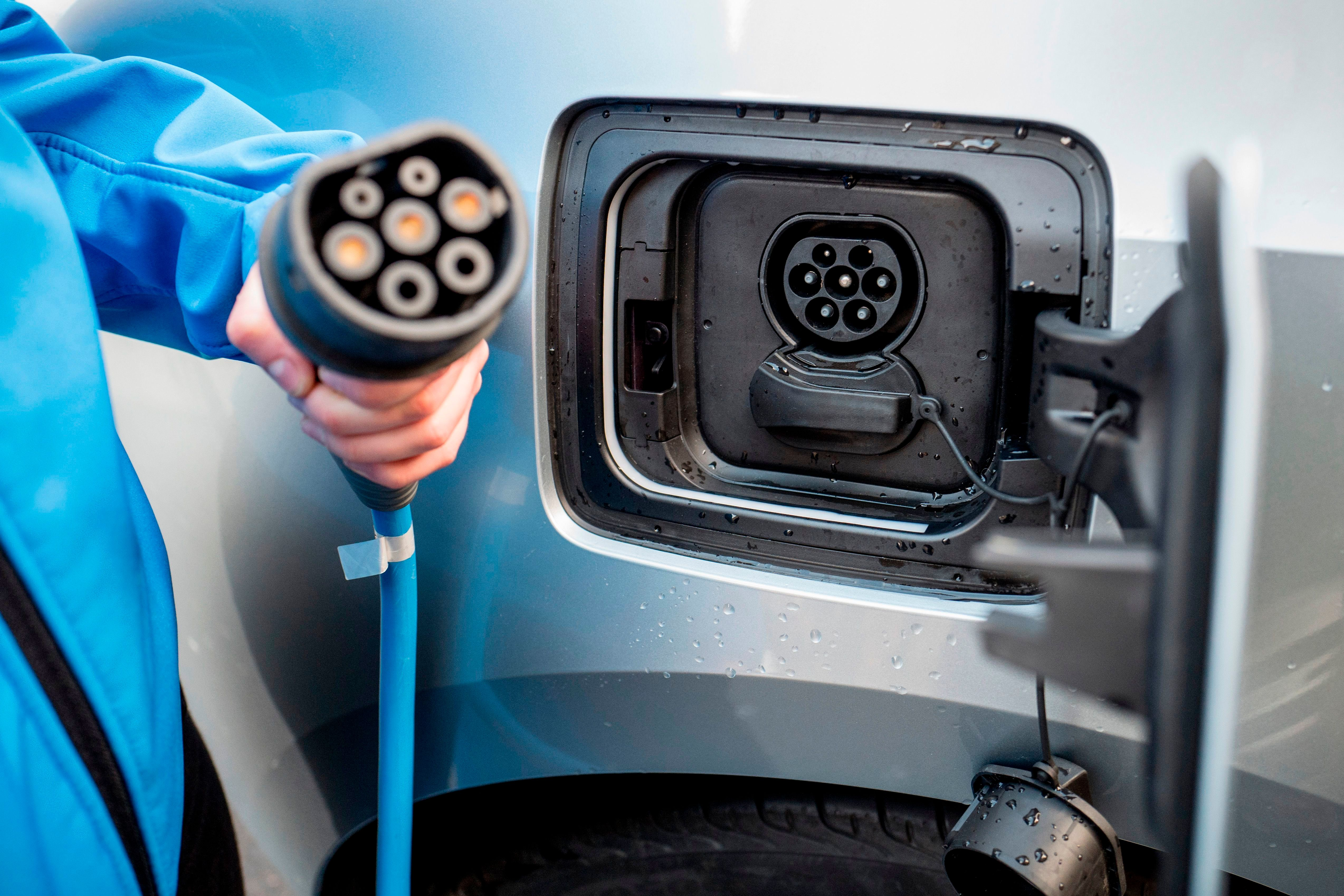 The National Grid Is Planning A 'Superfast' Charging Network For Electric