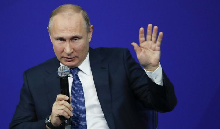 Russian President Vladimir Putin had a close connection with Ksenia Sobchak's father.