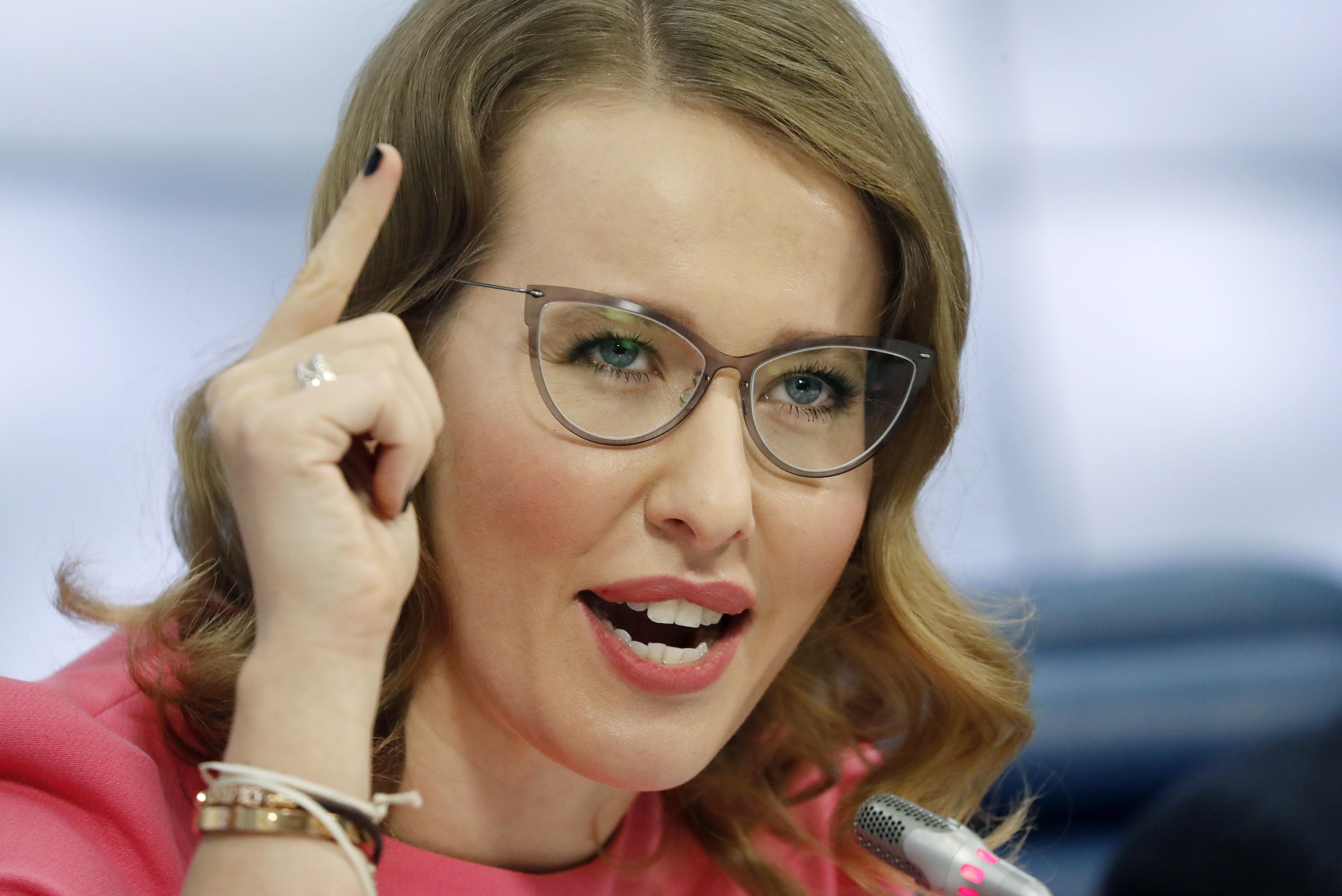 Ksenia Sobchak tempers 2-month-old son