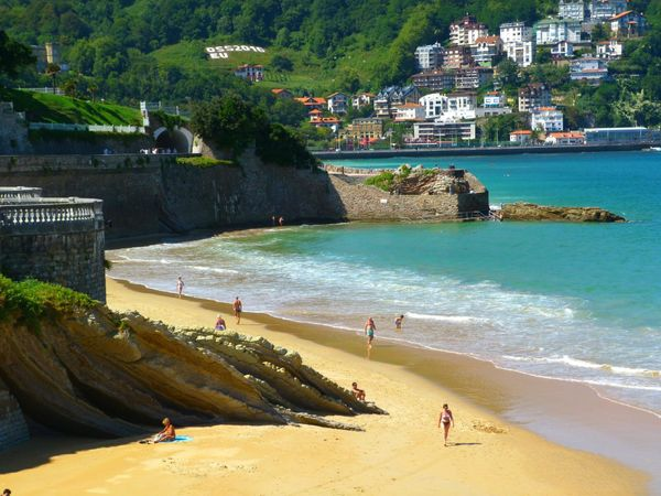 "<a href=""https://www.tripadvisor.com/Attraction_Review-g187457-d675885-Reviews-La_Concha_Beach-San_Sebastian_Donostia_Provinc"