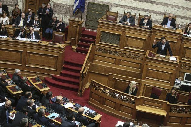 Πού αναμένεται να δώσει έμφαση ο Αλέξης Τσίπρας στην ομιλία του στη Βουλή για τη