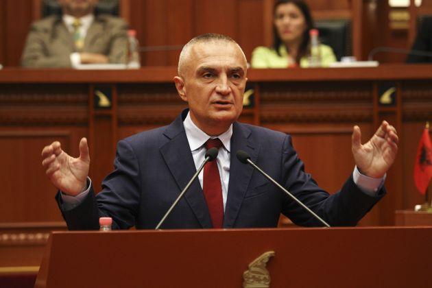 Ο Αλβανός πρόεδρος μπλοκάρει τις συνομιλίες περί θαλάσσιων συνόρων με την