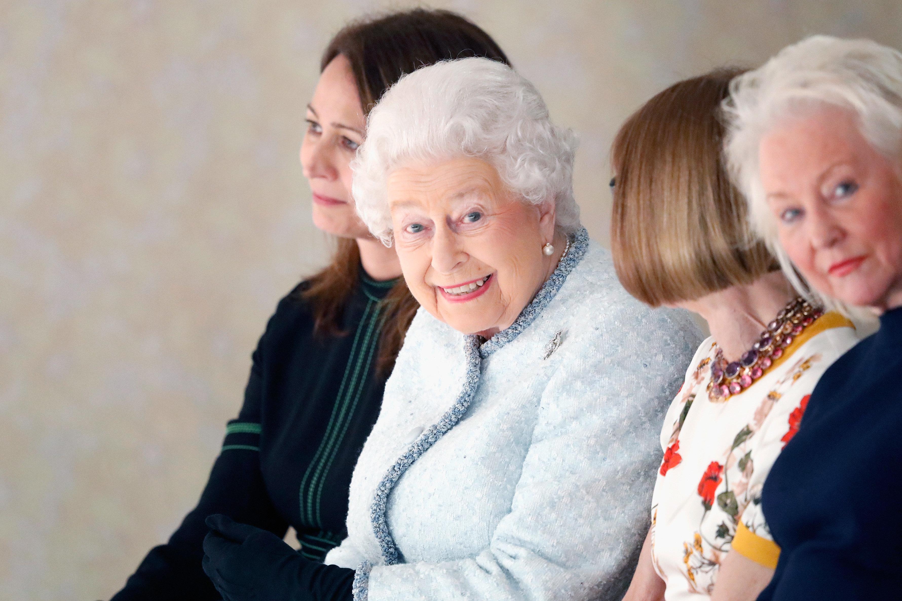 91세 된 영국 엘리자베스 여왕이 생애 처음 한