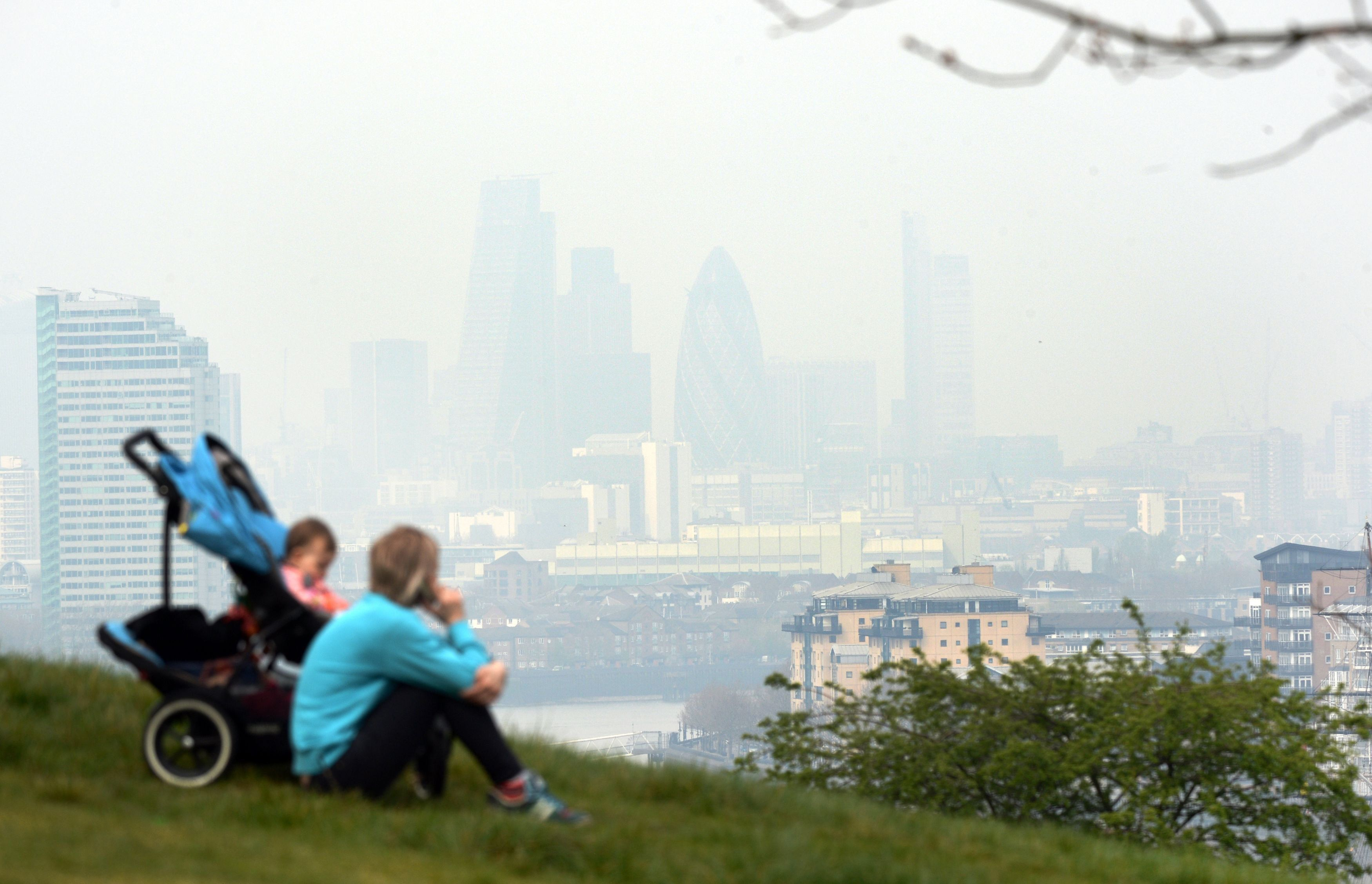 Ministers must cut air pollution in dozens of cities, judge rules